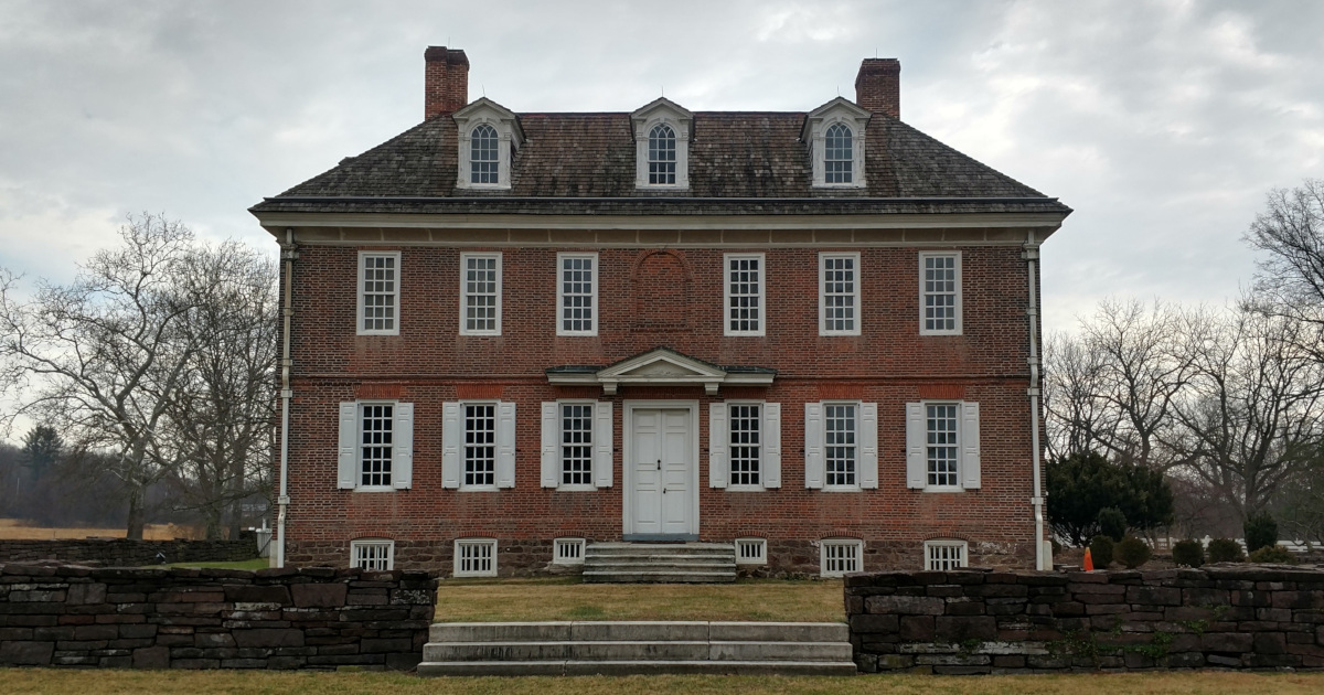 photo of front facade of historic Hope Lodge in Fort Washington