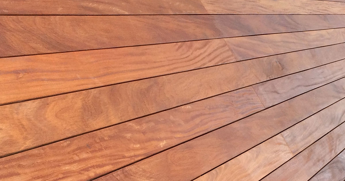 photo of deck stained with Sikkens Stains