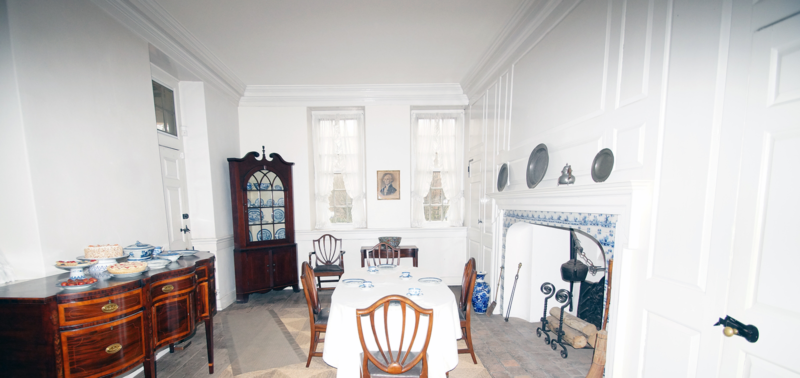 photo dining room at Hope Lodge painted white